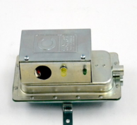 Cleveland Controls AFS-145-045-A Air Pressure Switch with Amber Light